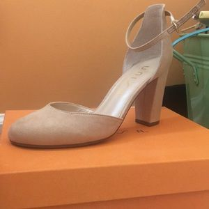 UNISA Light Tan Heels